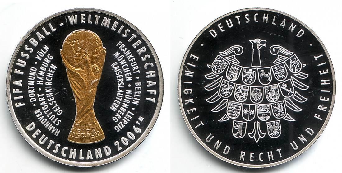 2006 Deutschland Fussball Wm 2006 In Deutschland Fifa Wm Pokal Mit Den Namen Der Spielorte Spiegelglanz
